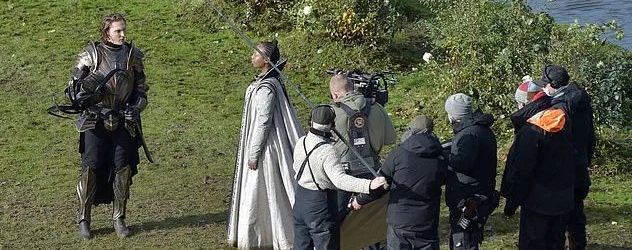 Új forgatási képek: A Nilfgaardiak páncélzata, Francesca öltözéke és még több más